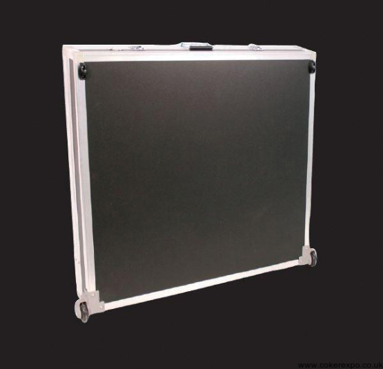 wheeled flight case for exhibition counter