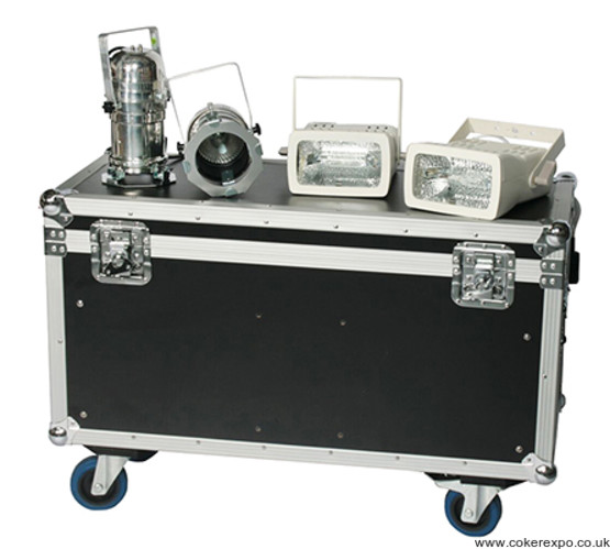 Wheeled flight cases for protecting exhibition lights
