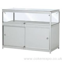 Glass counter flat pack with transport case