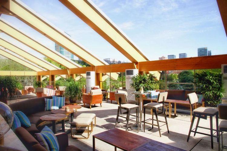 Calypso Restaurant & Lounge 01.jpg