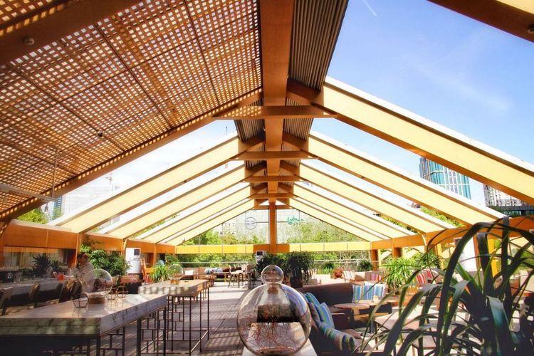Calypso Restaurant & Lounge 04.jpg