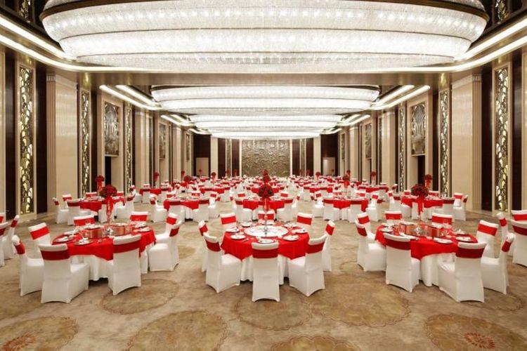 Diamond Grand Ballroom of China Grain Hotel Shanghai 01.jpg