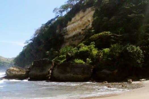 pantai-sekargadung1
