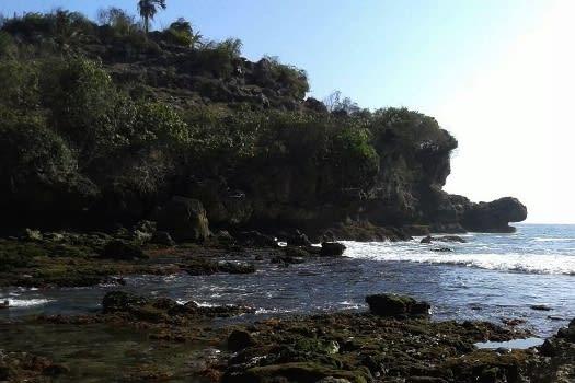pantai-bangkong1
