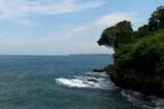 pantai-bangkong2