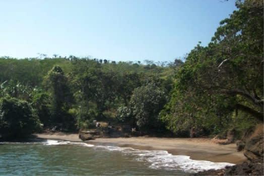 pantai-maesang2
