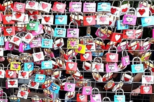 Gembok Cinta di Farmhouse Lembang