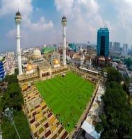 Bersantai di Alun-Alun Kota Bandung