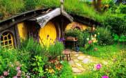 Rumah Hobbit di Farmhouse Lembang Bandung