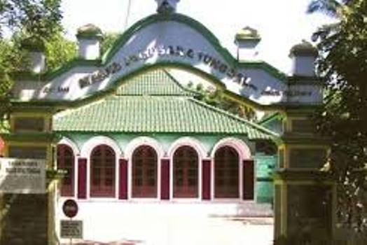 masjid-saka-tunggal-1