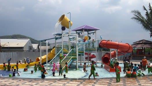 Tektona Waterpark, Kampung Batu Malakasari
