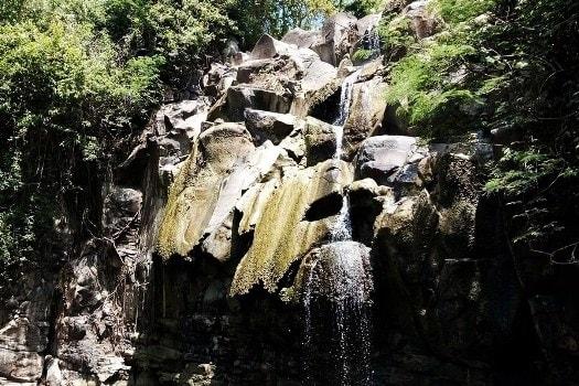 Dinding Batu Air Terjun Jurug Lanang Blitar