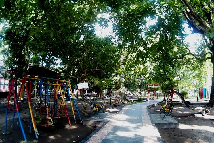 Taman Bermain Anak Kebon Rojo Blitar