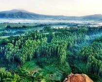 Pemandangan di Tebing Keraton Dago Bandung
