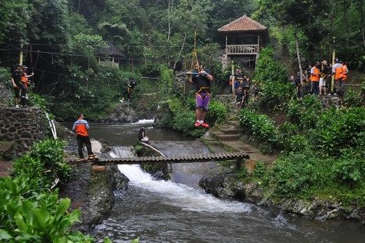 VBridge High Rope di Curug Tilu Leuwi Opat