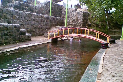 Jalur Air Wisata Mata Air Cokro Klaten