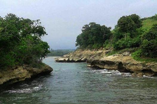 pantai-maesang1