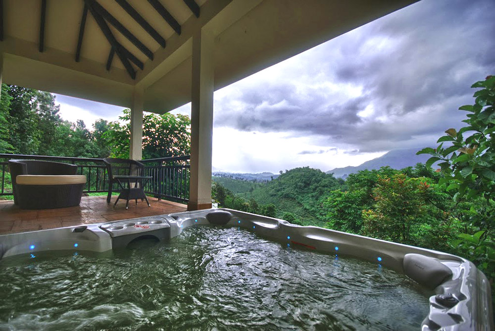 Resorts/Hotels With An Open Air Jacuzzi | So Delhi
