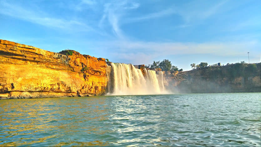 13 Best Waterfalls In India That Would Make You Wanna Forget About ...