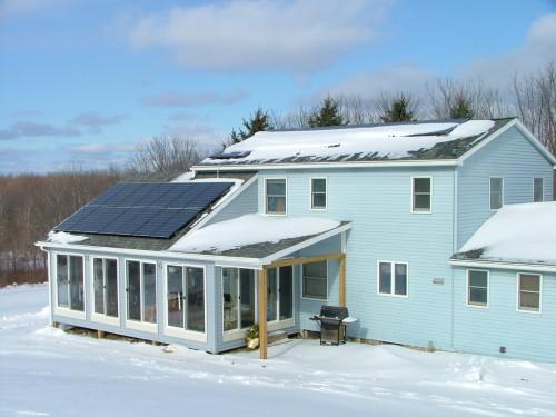 Solar Panels on a winter home солнечные батареи,купить зимой