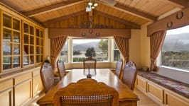 26626 Paradise Valley Rd - Dining
