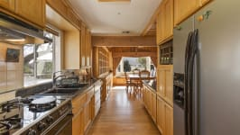 26626 Paradise Valley Rd - Kitchen