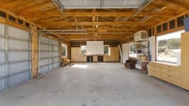 26626 Paradise Valley Rd - Garage