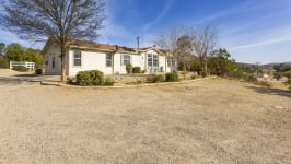 26640 Paradise Valley Rd - Front