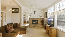 26640 Paradise Valley Rd - Living Room