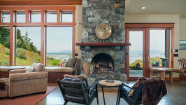 Aspen Inspired Lodge In Anacortes, Wa