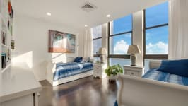 1581 Brickell Ave - Bedroom