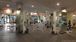 1581 Brickell Ave - Gym