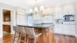 Serenity On The Sound - Chef's Kitchen With Island And Granite Counters..