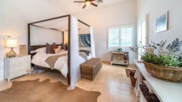 West Point Villa in Crystal Harbour, Seven Mile Beach, Cayman Islands - Image 14