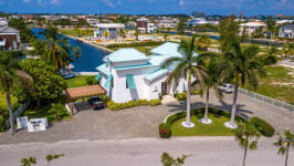 West Point Villa in Crystal Harbour, Seven Mile Beach, Cayman Islands - Image 21