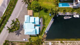 West Point Villa in Crystal Harbour, Seven Mile Beach, Cayman Islands - Image 22