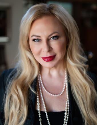 Julia Packer-Wesselkamper Profile Picture, Go to agent's profile.