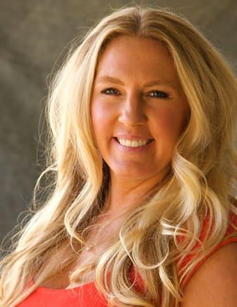 Emily Menesini Profile Picture, Go to agent's profile.