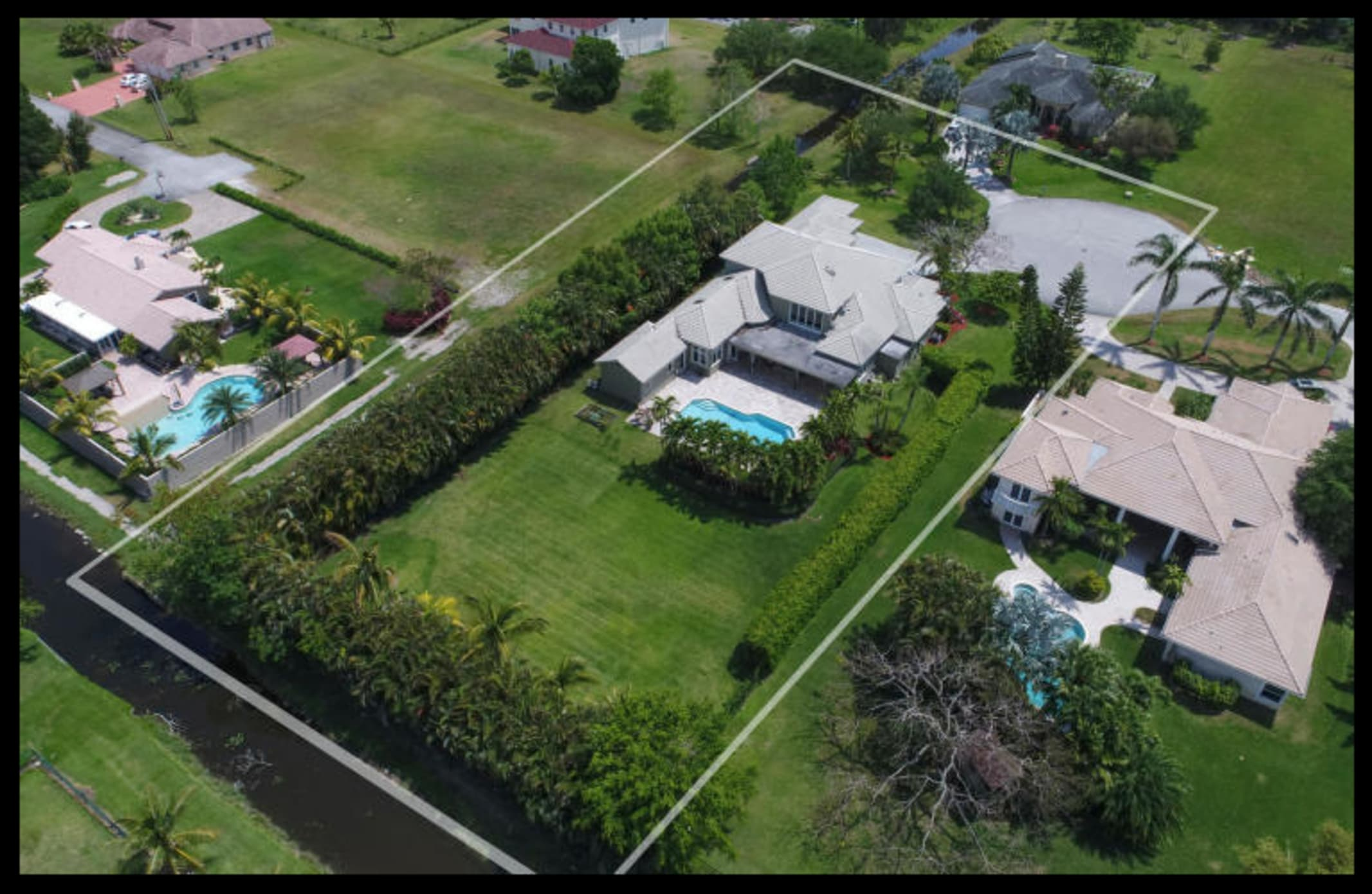 Luxury Home Estate 6/4/4, Plantation Acres, Fl