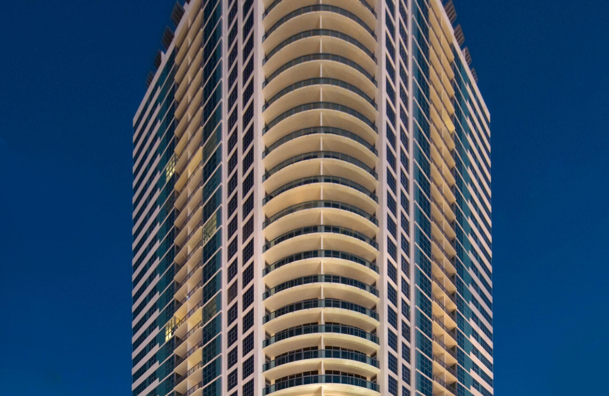 4 Midtown Miami - Midtown Front