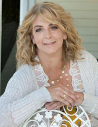 Anna Harris Profile Picture