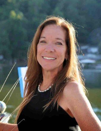 Donna Mullins Profile Picture, Go to agent's profile.