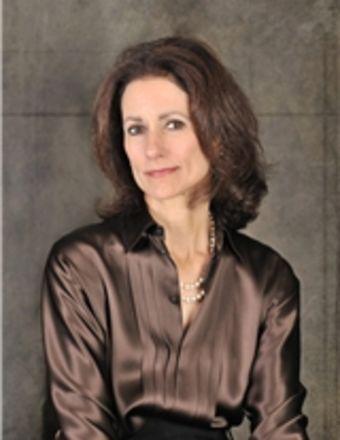 Julie Lovett Profile Picture