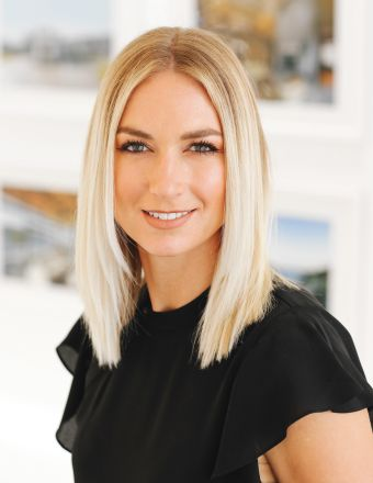 Julia Debolt Profile Picture