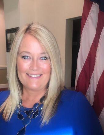 Laura Hough Profile Picture, Go to agent's profile.