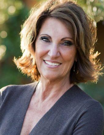 Lori Bowles Profile Picture