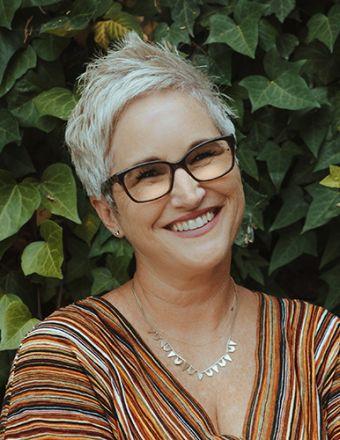 Lore Reynolds-Hamilton Profile Picture, Go to agent's profile.
