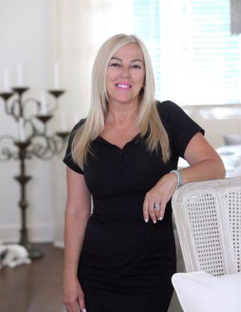 Louise Levesque Profile Picture