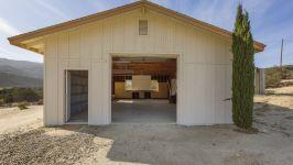 26626 Paradise Valley Rd - Garage