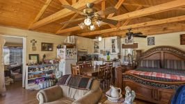 26626 Paradise Valley Rd - Guest House